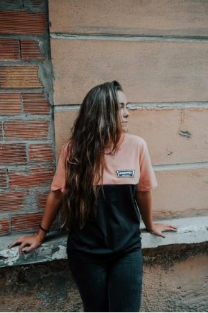 Camiseta GONORTHY Since Always Bicolor naranja coral/negra - Imagen 3