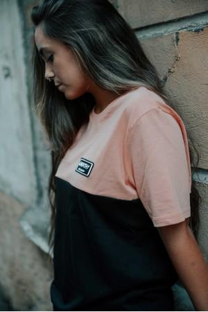Camiseta GONORTHY Since Always Bicolor naranja coral/negra - Imagen 4